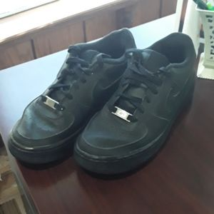 Youth Nike Air Shoes Size 6Y